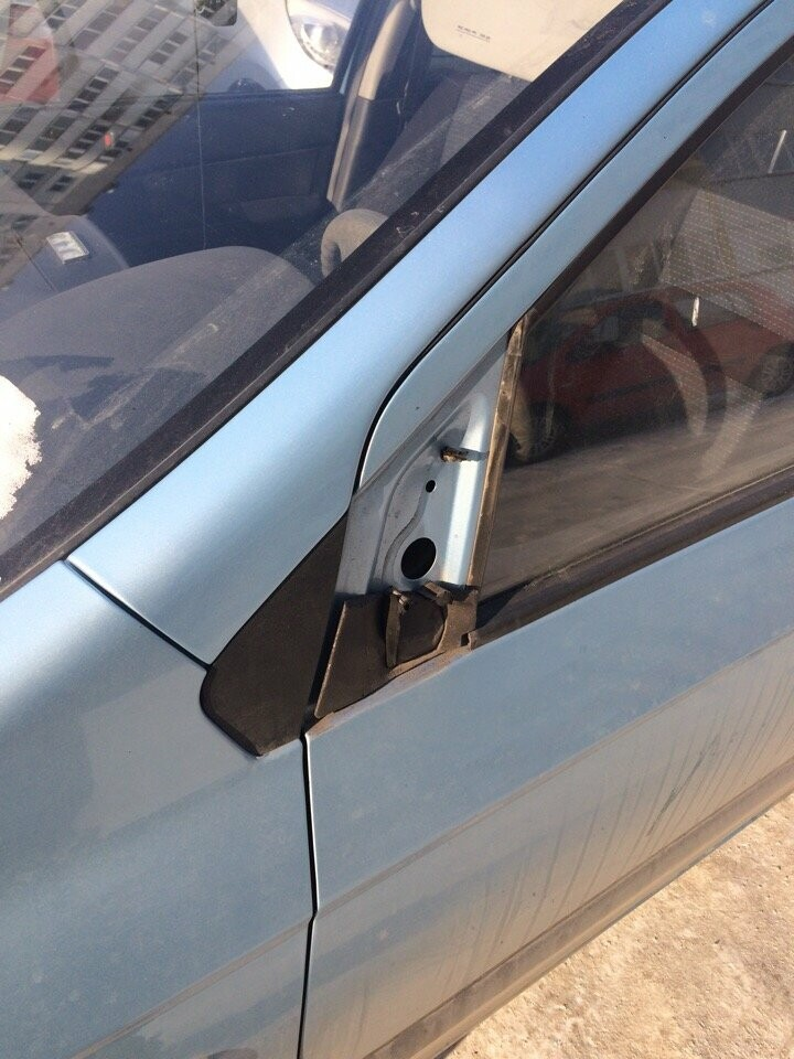 Заклеивают стекла скотчем. Как пострадали автомобили магнитогорцев от рук злоумышленников?, фото-2