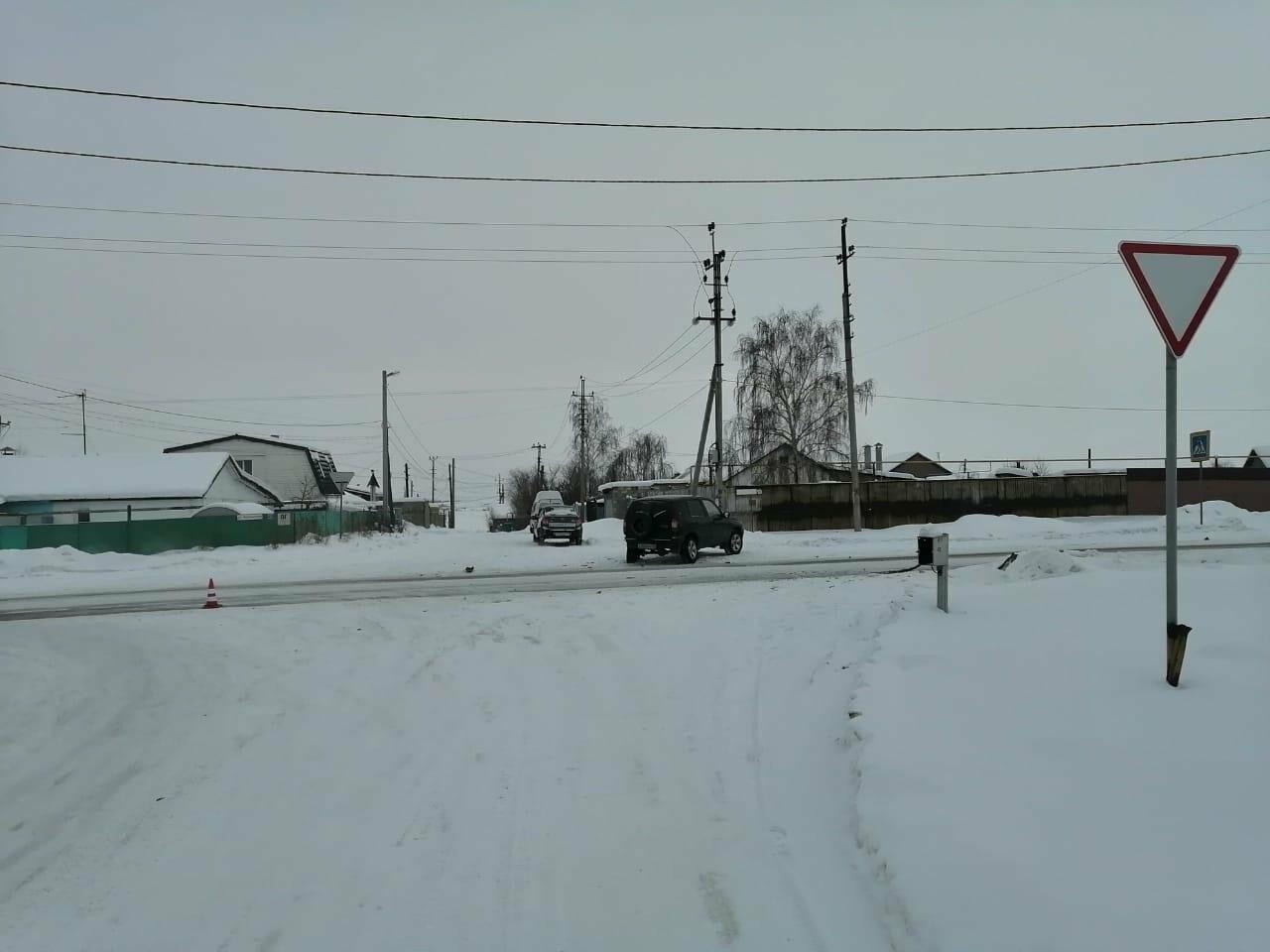 Пожилые жители Магнитогорска пострадали в ДТП с участием иномарки, фото-1