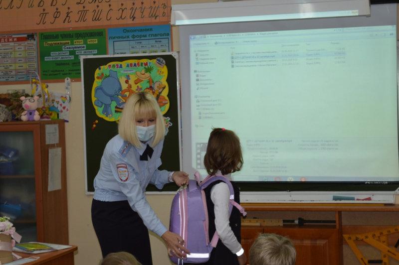 Школьников Магнитогорска знакомят с азбукой юного пешехода, фото-2