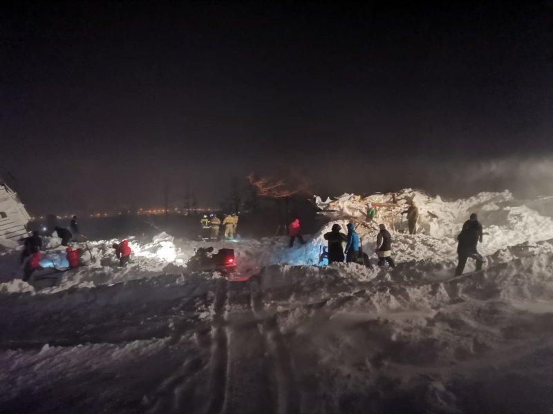 Поисково-спасательные работы на месте схода лавины в Норильске завершены, фото-2