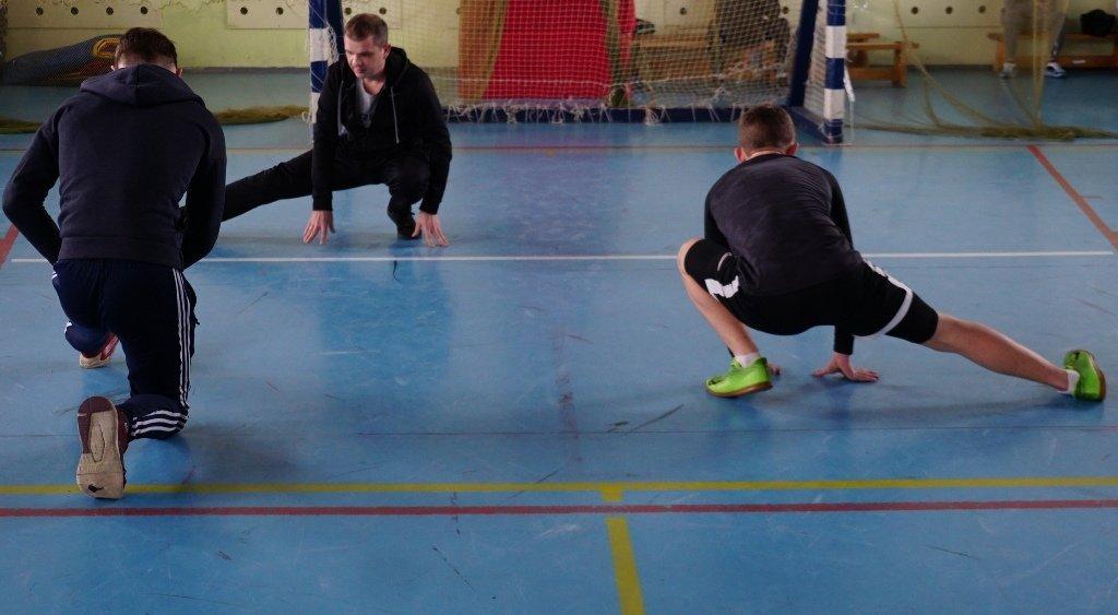 Магнитогорские полицейские сыграли в футбол со сложными подростками, фото-1