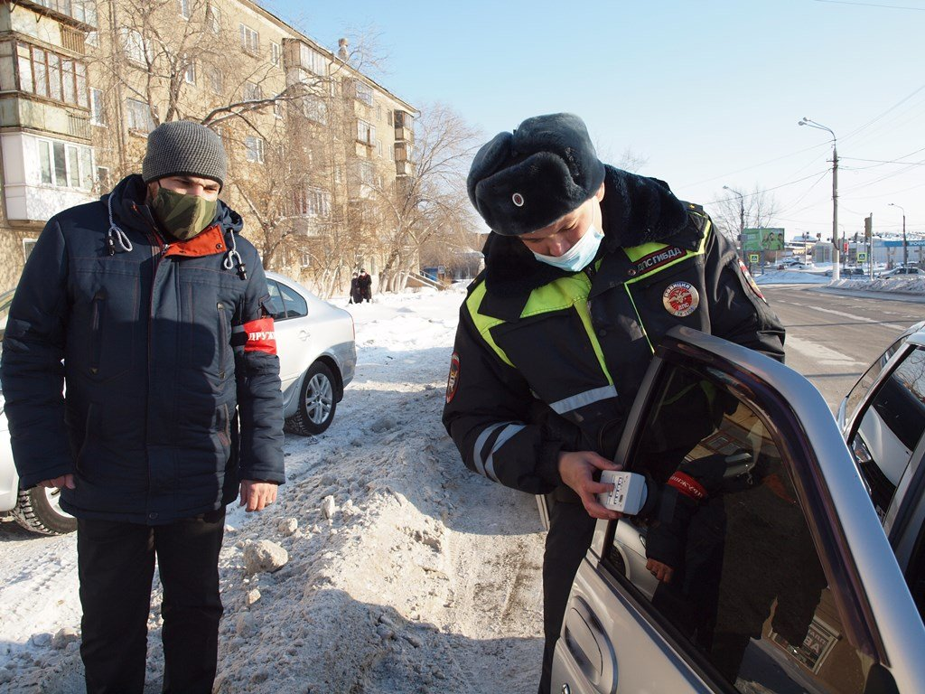 За «Ночь» в Магнитогорске полицейские изъяли почти 100 литров нелегального алкоголя, фото-1